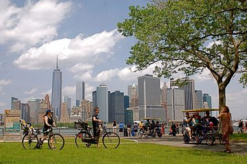 Governors Island Small-Group Bike Tour