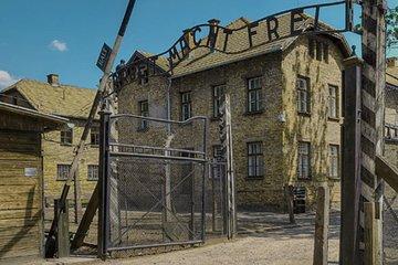 Tour to Auschwitz & Krakow from Warsaw