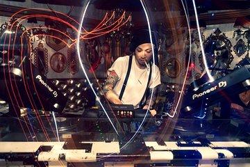 Shibuya House Disco Techno DJ Bars Experience