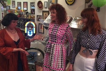 NYC East Village Vintage Shopping & Art on a Budget