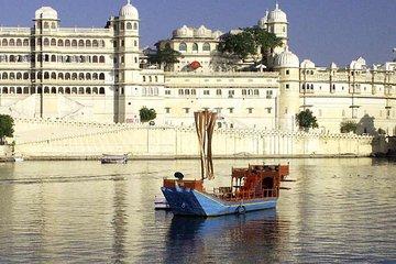 6 Days Golden Triangle Tour with Udaipur : Delhi, Agra, Jaipur