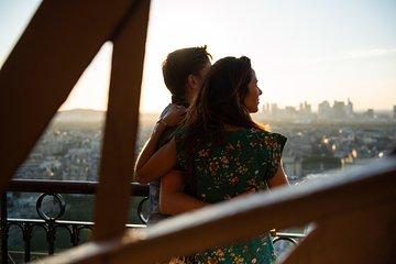 Eiffel Tower Dinner Experience & Sightseeing Seine River Cruise