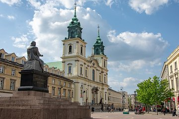Chopin's youth in Warsaw - guided walk and evening piano concert