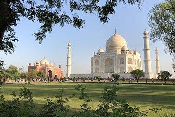 Same Day Taj Mahal Tour by Car With Entry Fee