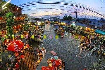 Maeklong Market And Amphawa Floating Market