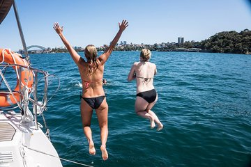 Sydney Harbour Sailing Tour with Swimming in Athol Bay