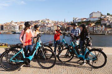 Porto: 3-Hour Old Town & Riverside Bike Tour - Guided Experience