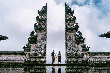 Bali Instagram: Gate of Heaven Temple Tour