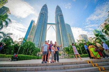 Skip the Line: Petronas Twin Tower Ticket & Short City Trip
