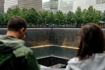 9/11 Memorial and Ground Zero Walking Tour with Optional 9/11 Museum