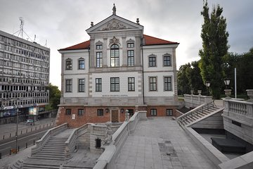 Warsaw: Private Chopin Guided Tour with tickets to Chopin Museum