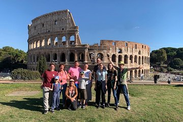 small group tour through the colosseum and the roman forum