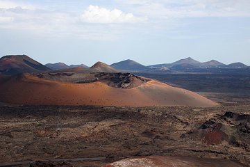 Timanfaya Volcano Park with Camel Ride and Free Wine Tasting