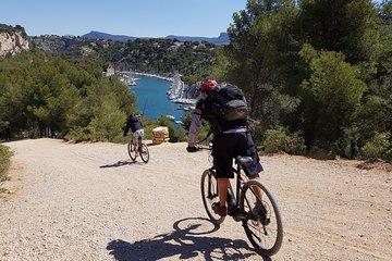 Cross country E-Bike Tour of Marseille Calanques