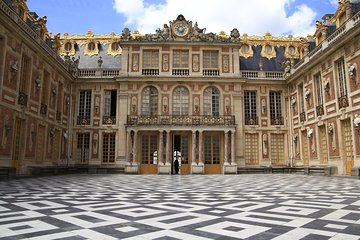 Palace of Versailles & Giverny Audio Guide Tour with Pickup and Drop Off