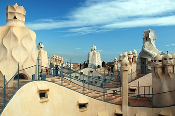 Casa Batillo, Mila & Sagrada Familia Private Gaudi Tour with Admission Tickets