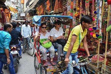 Old Delhi walking tour with Rickshaw ride
