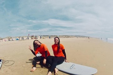 Premium Surf lesson, Craft beer & Tapas in Lisbon!