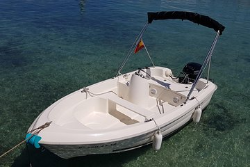 Boat rental without license - B410 'Tethys' (3p) - Can Pastilla