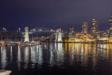 Vancouver Night Life and Casino Private Tour