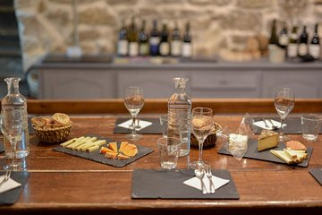 Paris Art of Pairing Cheese and Wine Tasting in a Cheese Cellar