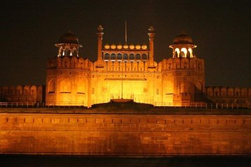 Red fort light & sound show with Indian specialty dinner