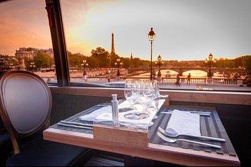 PARIS : Gourmet dinner by Luxury Bus in the capital of lights