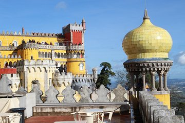 Discover Sintra and Cascais by comfy van - Private Full Day Tour
