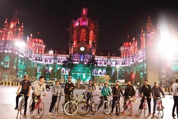 Midnight Cycling Adventure Tour in Mumbai