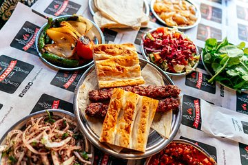 The 10 Tastings of Istanbul With Locals: Kadikoy Private Food Tour