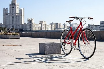 Private Tour: Moscow Highlights on a Bike + several Russian Delicacies