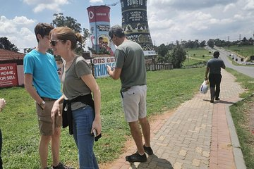 Full Day Soweto Township and Apartheid Museum Tour With Light Lunch