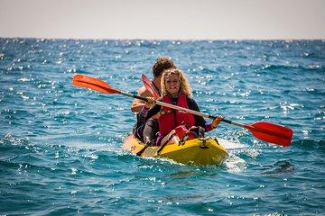 Kayak Tour in Natural Park 'Acantilados de Cerro Gordo - Maro': 2h at 11:00