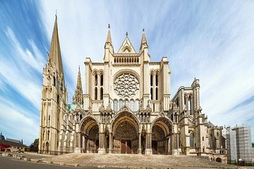 Versailles and Chartres Private Day Tour from Paris