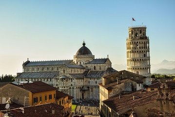 Skip-the-Line Tour of Pisa Leaning Tower & City Highlights with Private Guide