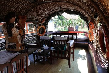 Private Backwater Houseboat Day Cruise in Alleppey with Lunch
