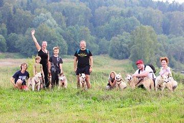Moscow: Day tour with 120 Huskies (Dog-Trekking + Kayak option)