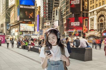 Virtually visit the Times Square and Empire State Building