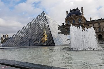 Paris' Louvre Museum Virtual Guided Tour