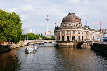 Berlin Highlights Private Virtual Drive Through City
