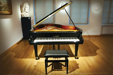 Daily live piano Chopin's concerts at 6:30 pm in the Warsaw Archdiocese Museum
