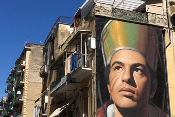 Street Art Tour: Art, Colors and Contradictions