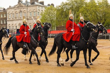 Tours from Home: Changing of the Guard at Buckingham Palace