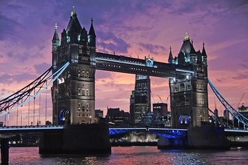 An Evening in London. Panoramic night Tour by Executive Luxury Vehicle