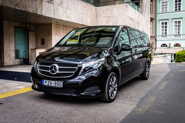 Budapest Private Airport Transfer in a Luxury Minivan