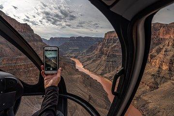 Viator Exclusive: Grand Canyon Helicopter Tour met optionele landing onder de rand en Skywalk-upgrade