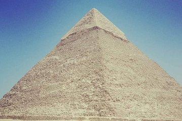 Tour to Pyramids, the Egyptian Museum, Khan Khalili Bazaar and Sound & Light Show