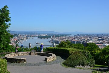 Budapest Romantic Tour: Gellert Hill with Liberty Statue