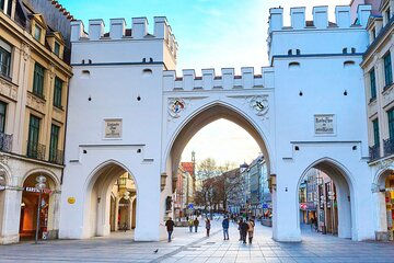 With a local: Private Munich Shopping Tour with optional Luxury Transfer