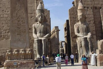 Visit The valley of the kings,Hatschpsut Temple &colossi of Memnon.special offer